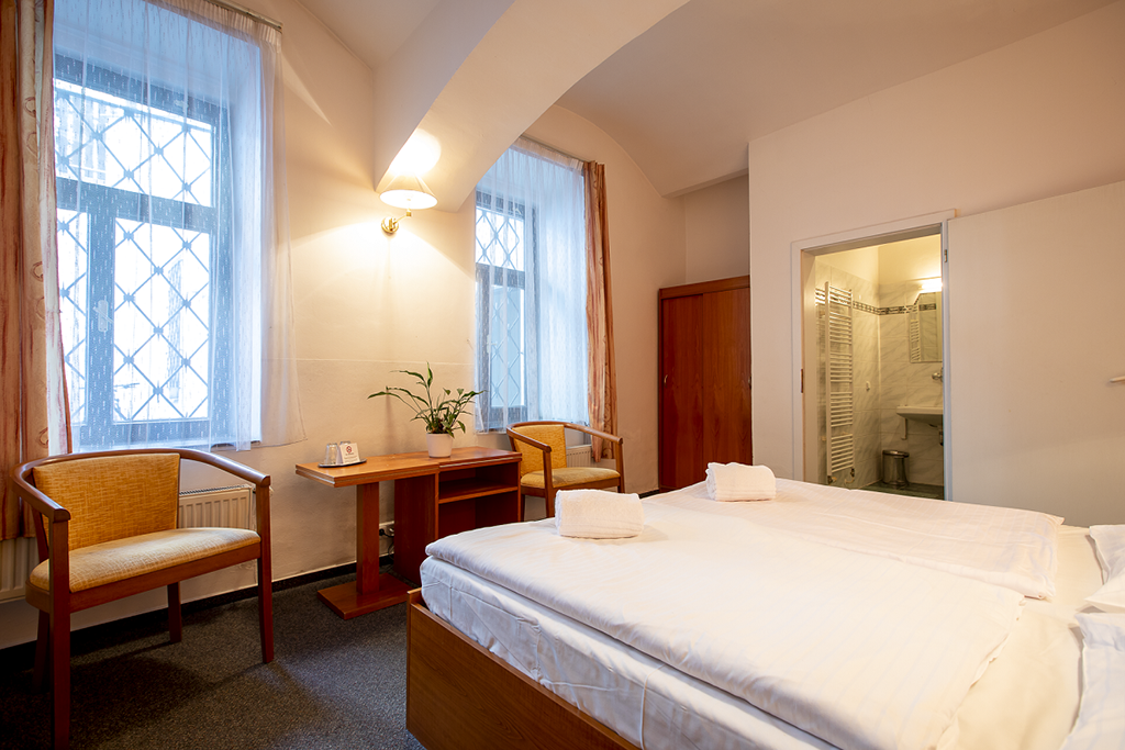 Amadeus Hotel standard bedroom