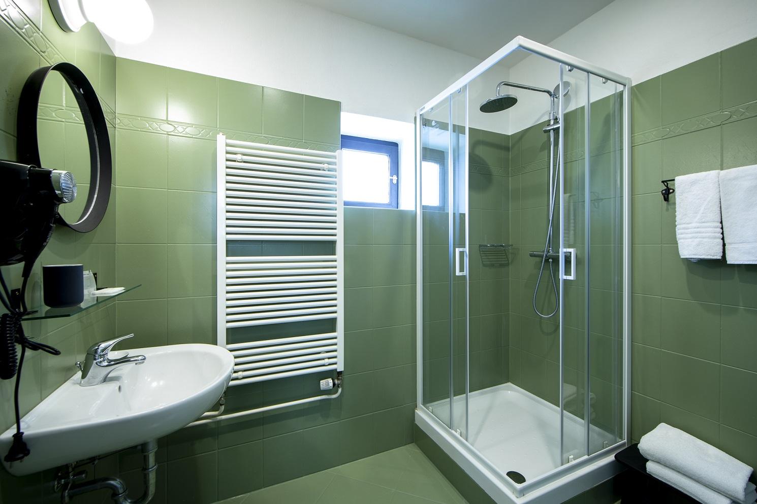 Amadeus Hotel bathroom